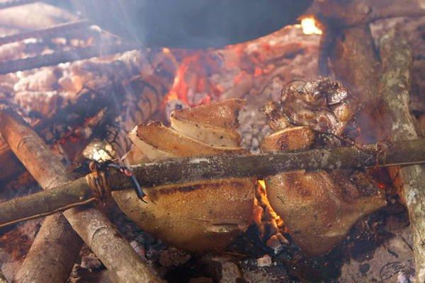 Thịt lợn cắp nách Lai Châu